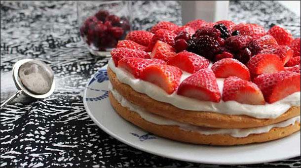 Бисквитный торт из мини коржей - рецепт пошаговый с фото