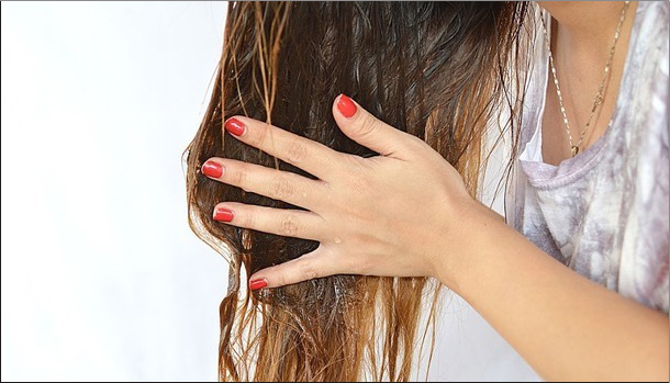 Что делать, если волосы выпадают с луковицей?