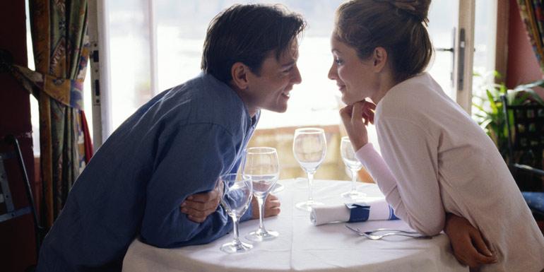 8 основных признаков настоящей любви мужчины к женщине (даже если он пытается скрывать чувства)