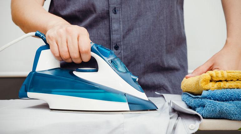 Как быстро высушить одежду после стирки: 6 быстрых способов