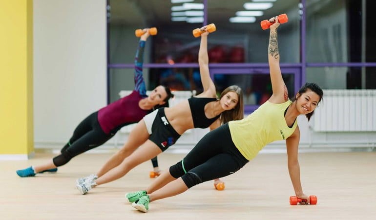 Чем аэробика отличается от фитнеса и что эффективнее для похудения?