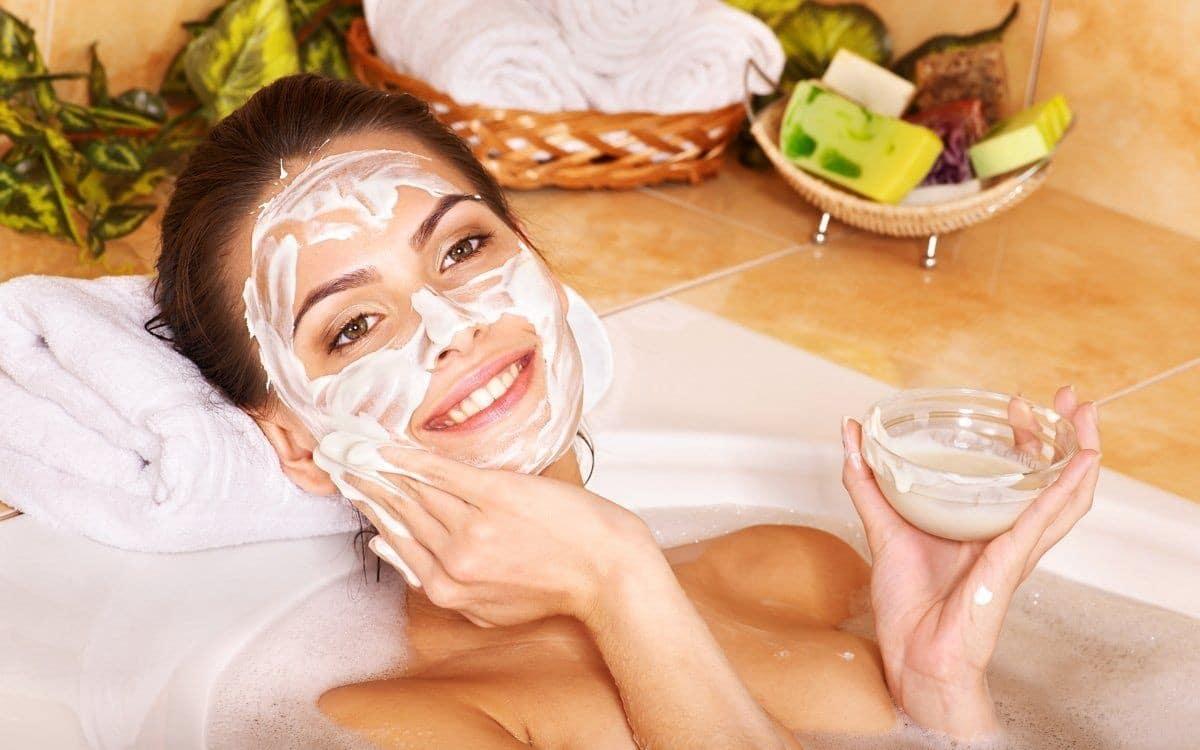 Натуральные маски для лица в домашних условиях